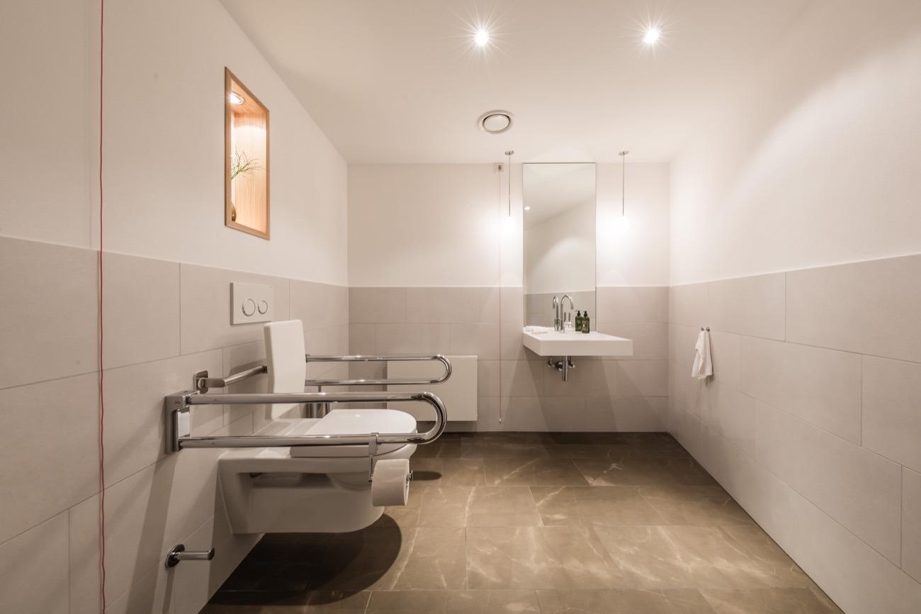 ein rendezvous von tradition und moderne informationen aus der keramik und. Black Bedroom Furniture Sets. Home Design Ideas