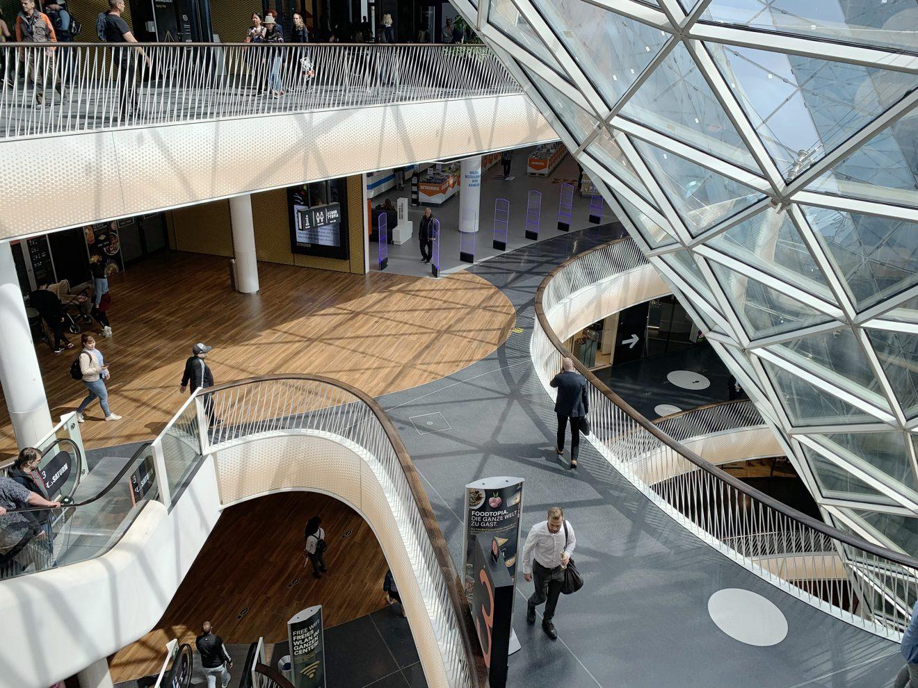 """MyZeil, Frankfurt: Vom Einkaufszentrum zum """"Shoptainment-Center"""""""